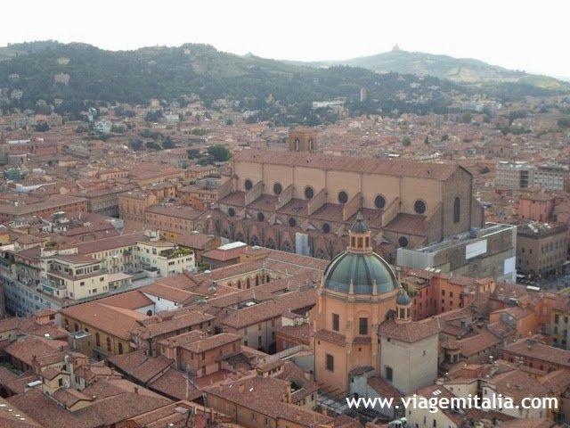 Visão de Bolonha do alto da Torre degli Asinelli.