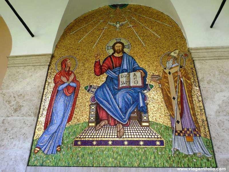 Farol da civilização ocidental: Abadia de Monte Cassino – Ora, labora et lege.
