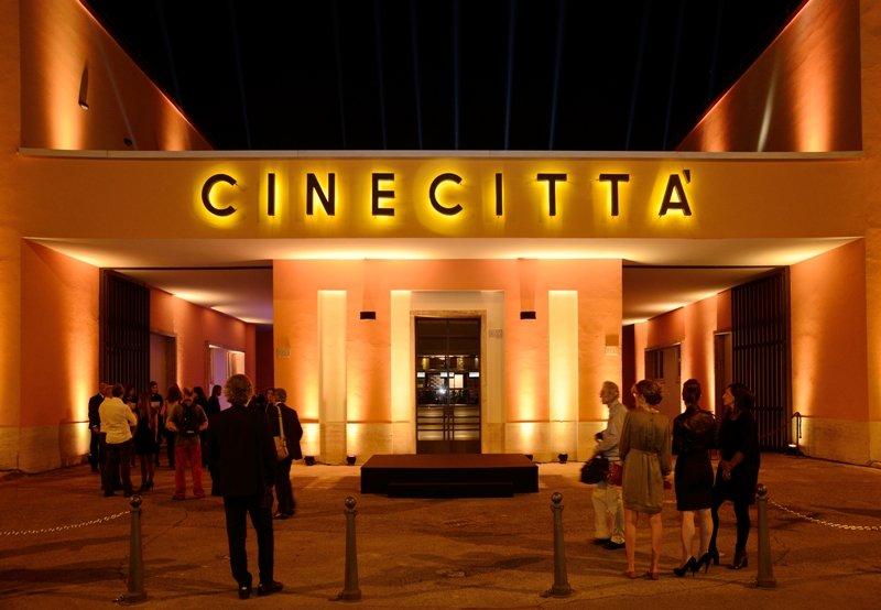 Fachada restaurada de Cinecittà. Foto: Anna Galante.