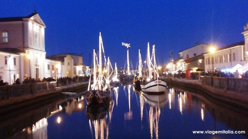 🎄 Presépio flutuante de Cesenatico no Porto Canal Leonardesco