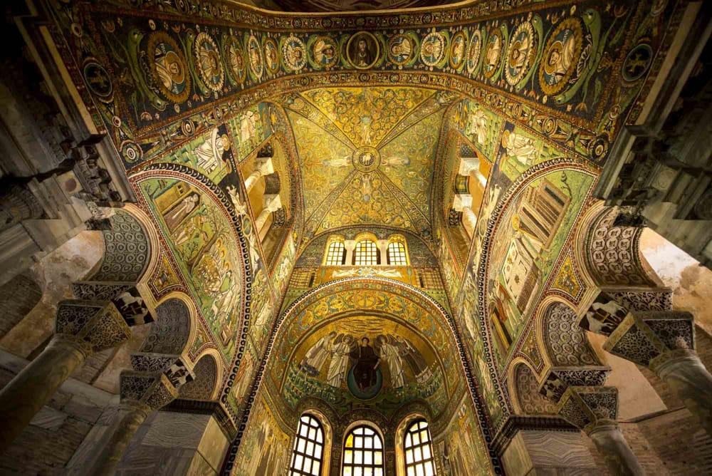 🏛️ Guia brasileira em Ravenna, última capital do Império Romano do Ocidente